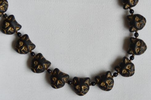 Black and gold cat head bracelet