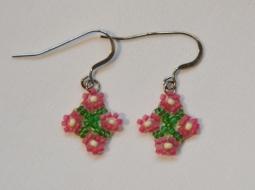 Woven pink daisy earrings