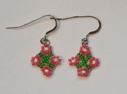 Woven pink daisy earrings